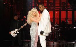 Lady Gaga & R. Kelly Do What You Want @ SNL 2013